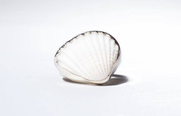 Clamorous Ring