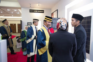 His Majesty consented to view QEC's products and services