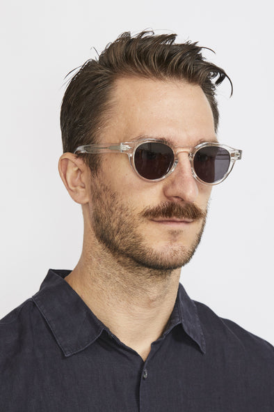 HALCYON Franc Sunglasses . Crystal/Black - Maplestore