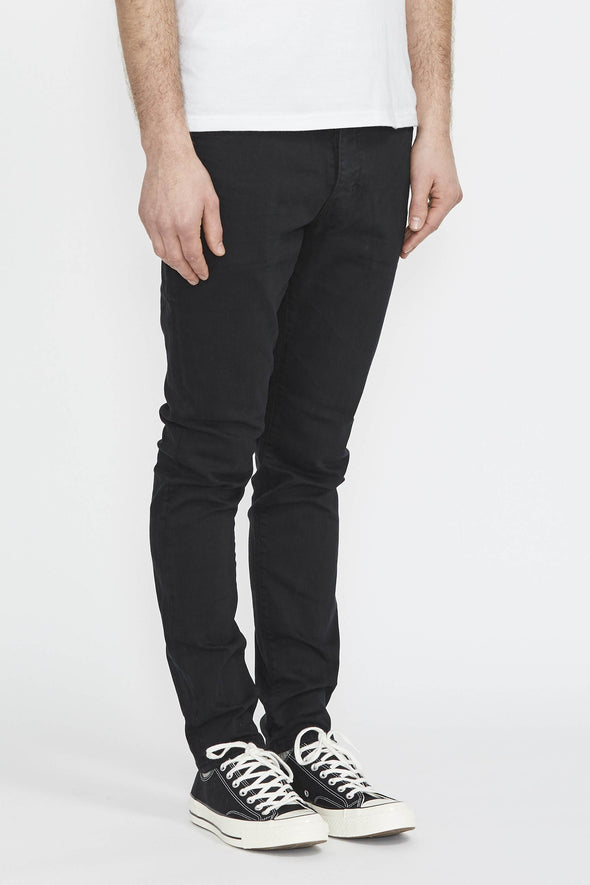 NEUW Ray Tapered . Northern Black