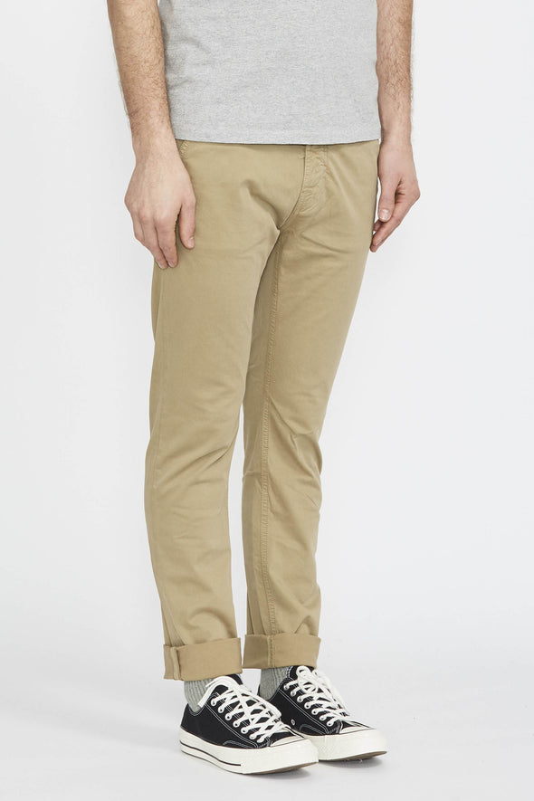 NUDIE Slim Adam . Beige