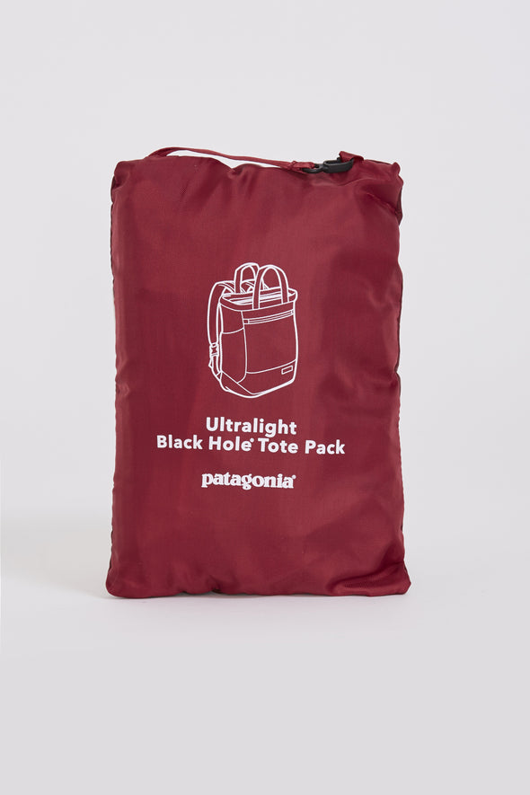 PATAGONIA Ultralight Black Hole Tote . Roamer Red - Maplestore