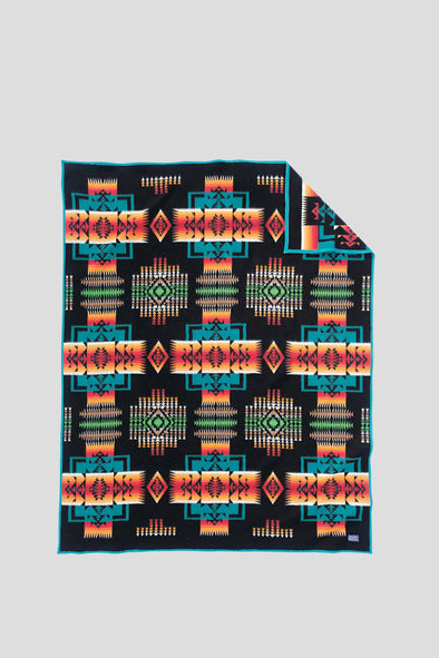 PENDLETON Chief Joseph Robe . Black - Maplestore