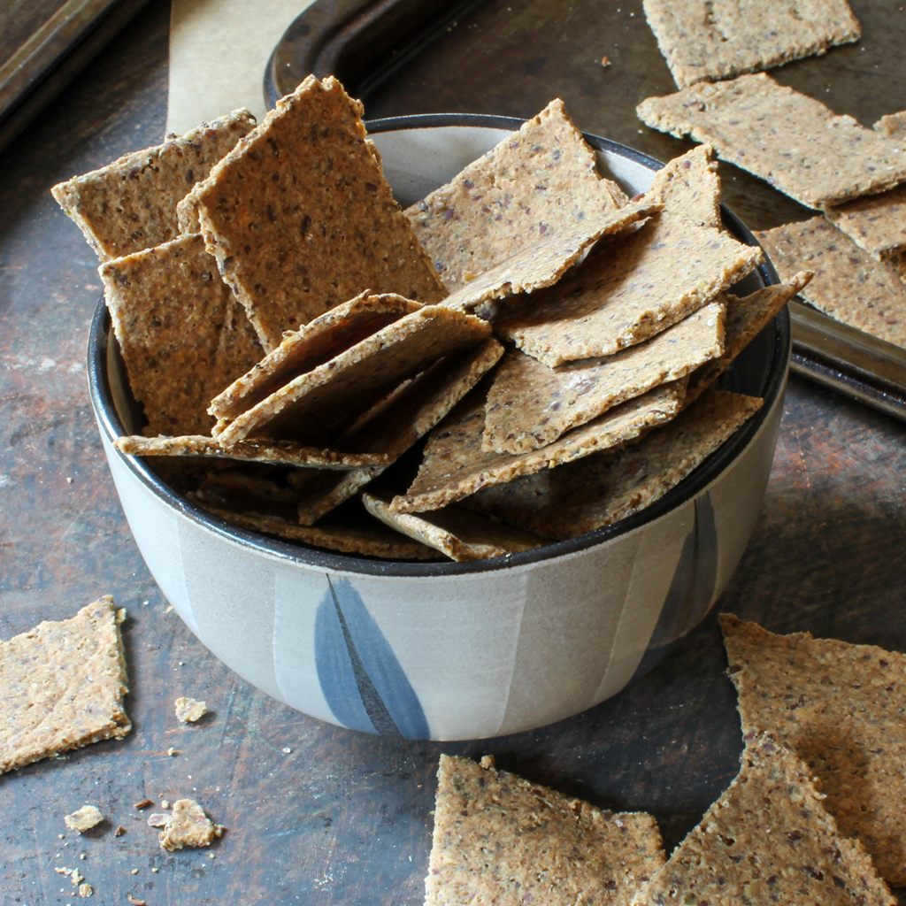 Simple almond pulp crackers with caraway