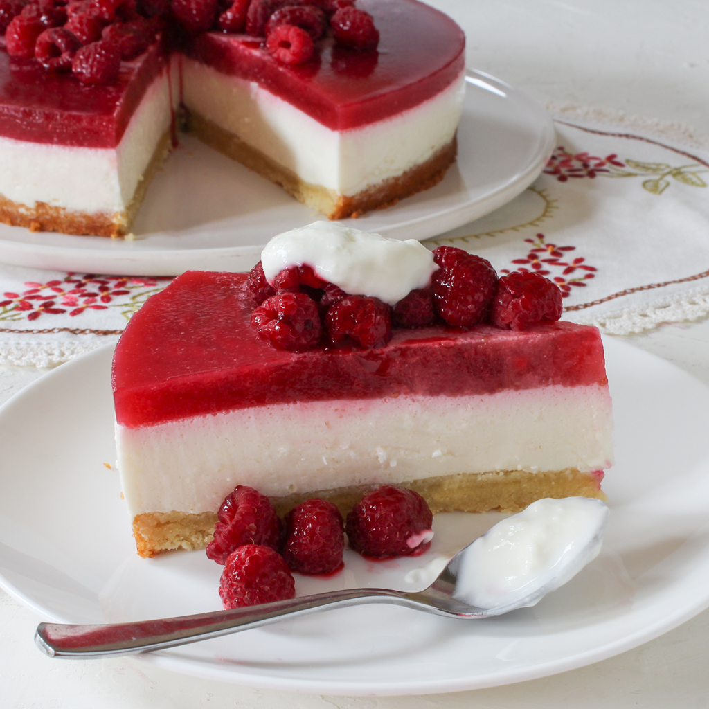 Yoghurt and raspberry jelly cheesecake (GAPS/SCD)