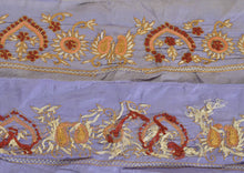 "Load image into Gallery viewer, Antique Vintage Saree Border Hand Embroidered Indian Craft Trims Lace 2""W +1 Yd"