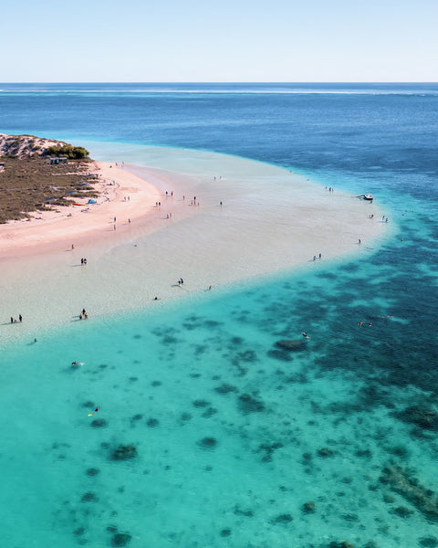 The amazing Coral Bay Beach