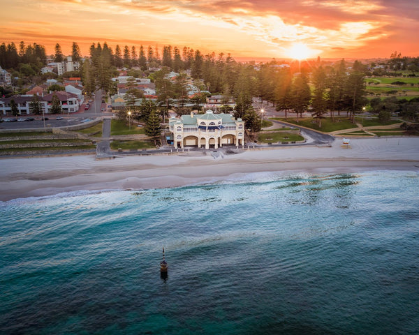 Amazing sunrise in Cotttesloe Beach