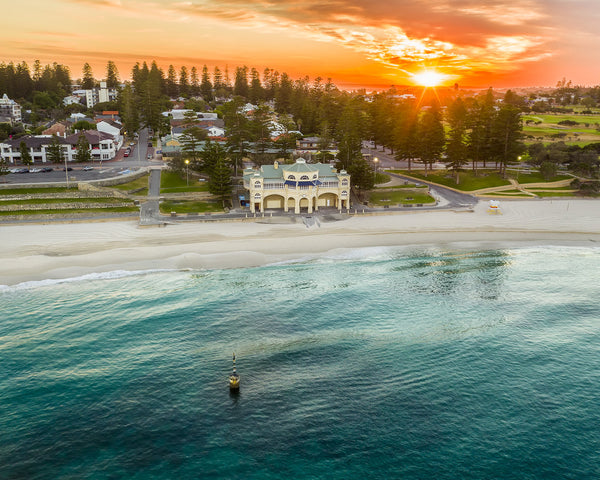 SUNRISE AT COTTESLOE BEACH