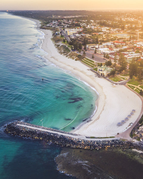 SUN HAZE OVER COTTESLOE