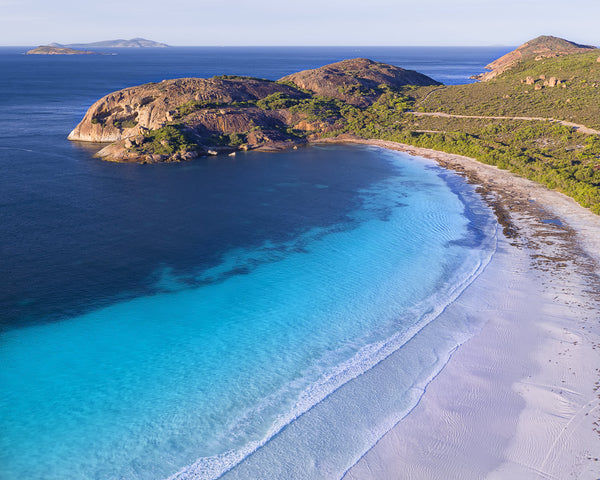 THE LUCKY BAY