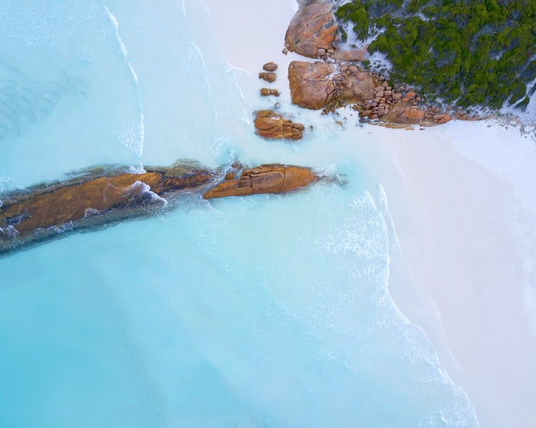 SIMPLY LUCKY BAY