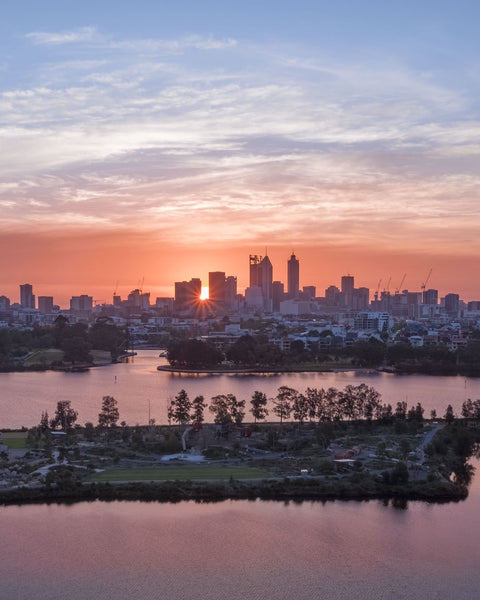 Sun rays at sunset in Perth
