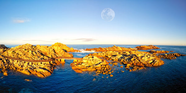 CANAL ROCKS FULL MOON