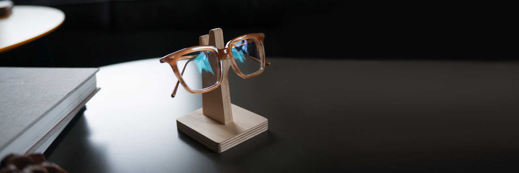 8 benefits of a spectacle holder