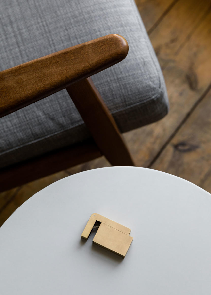 KNNOXX, a premium lighter made from brass. Designed by London based studio KNOXX, ran by Desmond and Jessica Ware.