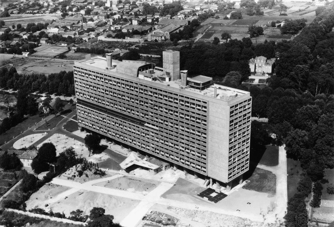 Aerial view of Unité d'Habitation building in Marseille France 1953