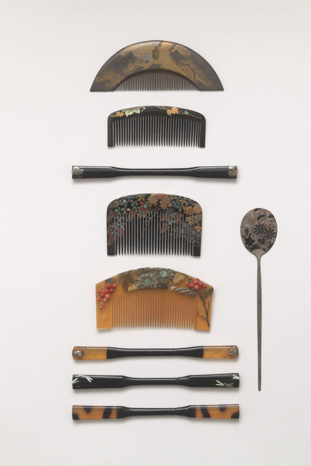 Assortment of Japanese bridal combs made from tortoiseshell and wood