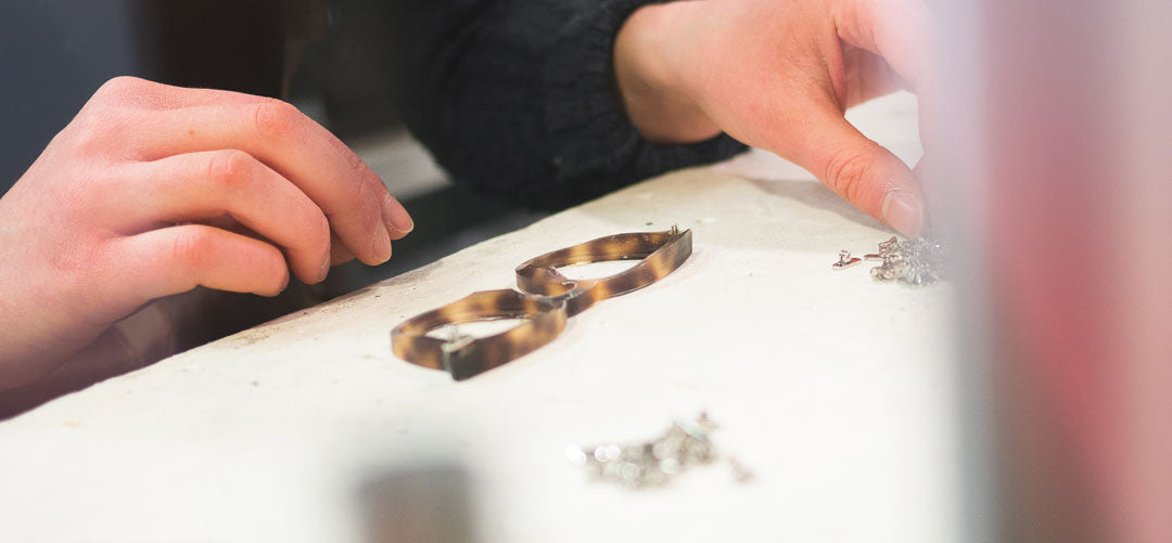 Bifocal-glasses-being-made-in-the-UK