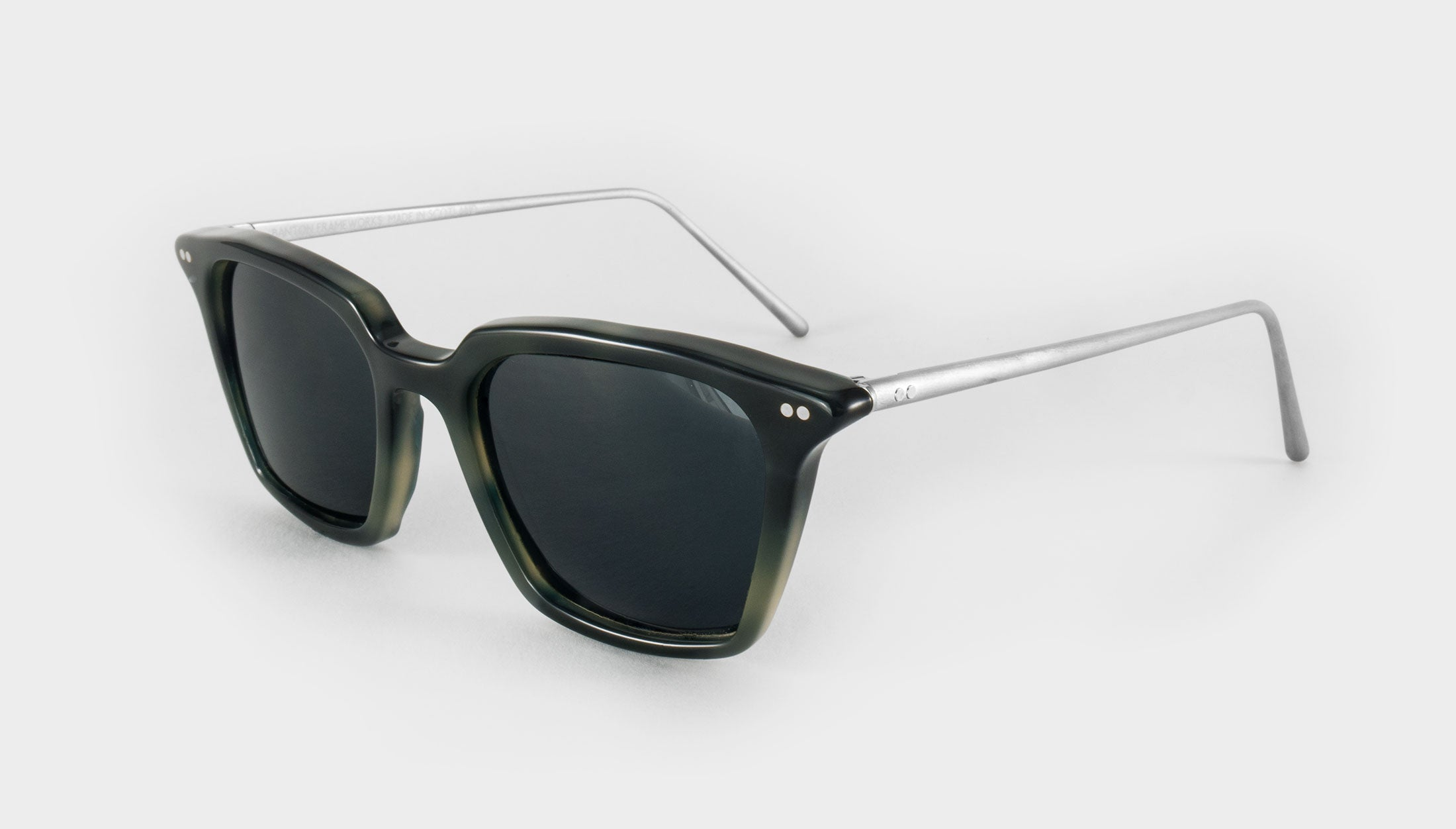 Mens Square Polarised sunglasses Frame side view