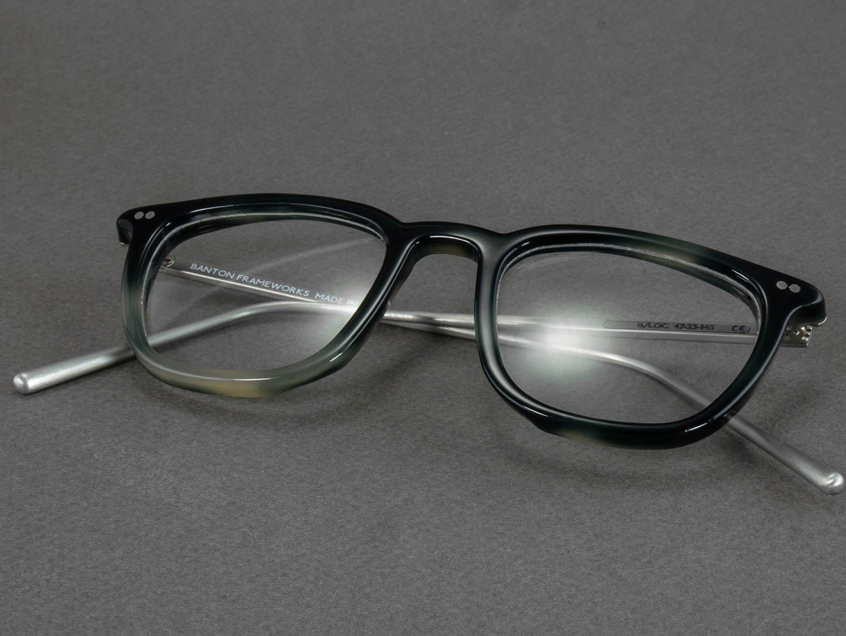 Optical glasses frame b loc- olded