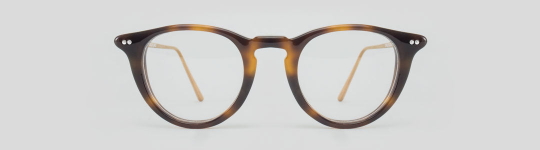 Round tortoise shell spectacles