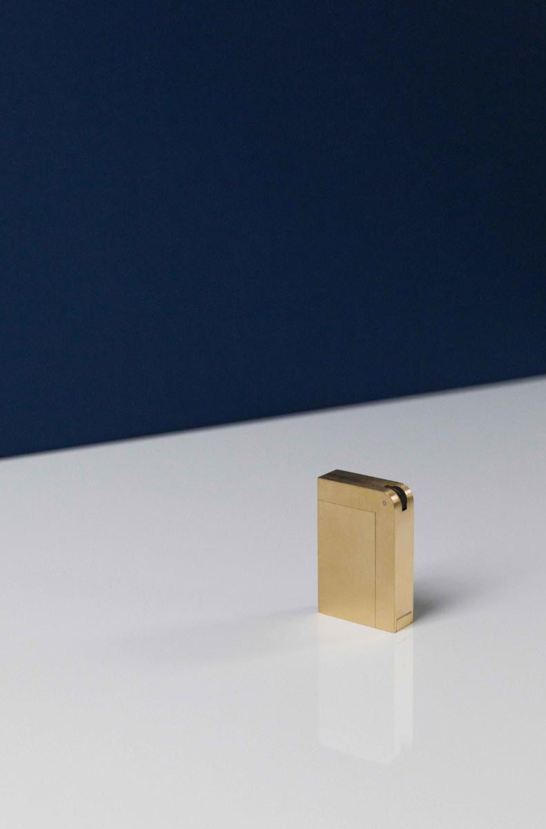 KNNOX lighter by London based studio KNNOX ran by Jessica and Desmond Ware.