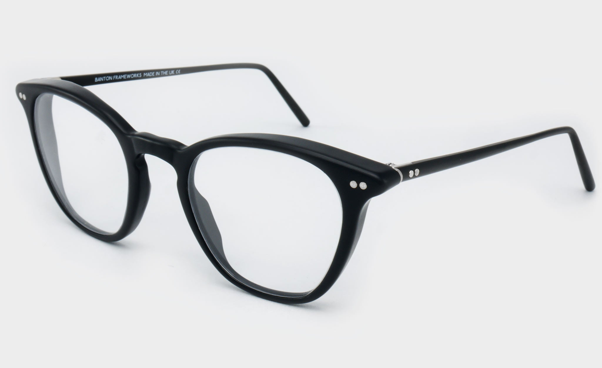 Varifocal-Black-frame-glasses-Side-View