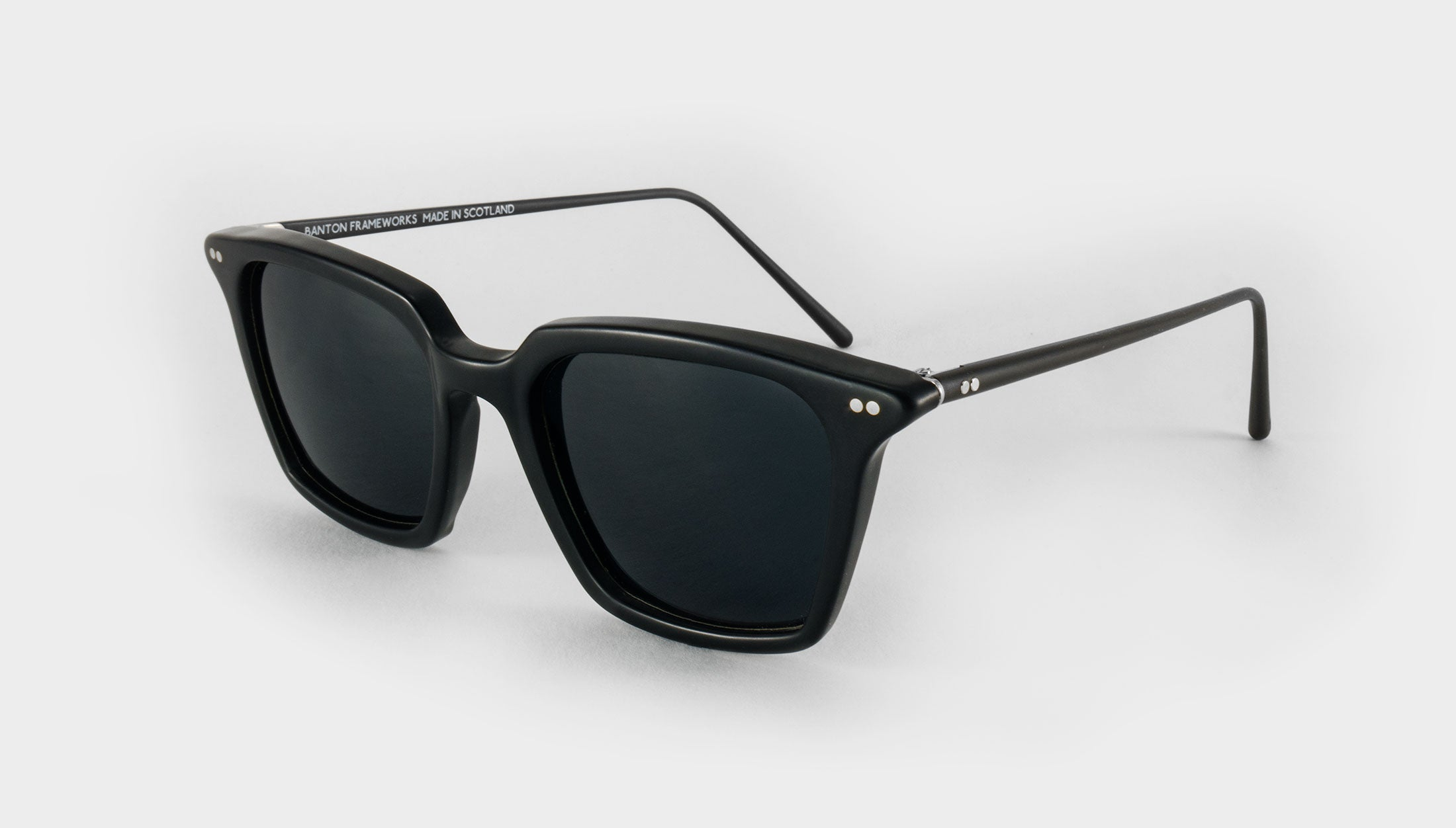 black square polarised sunglasses side view