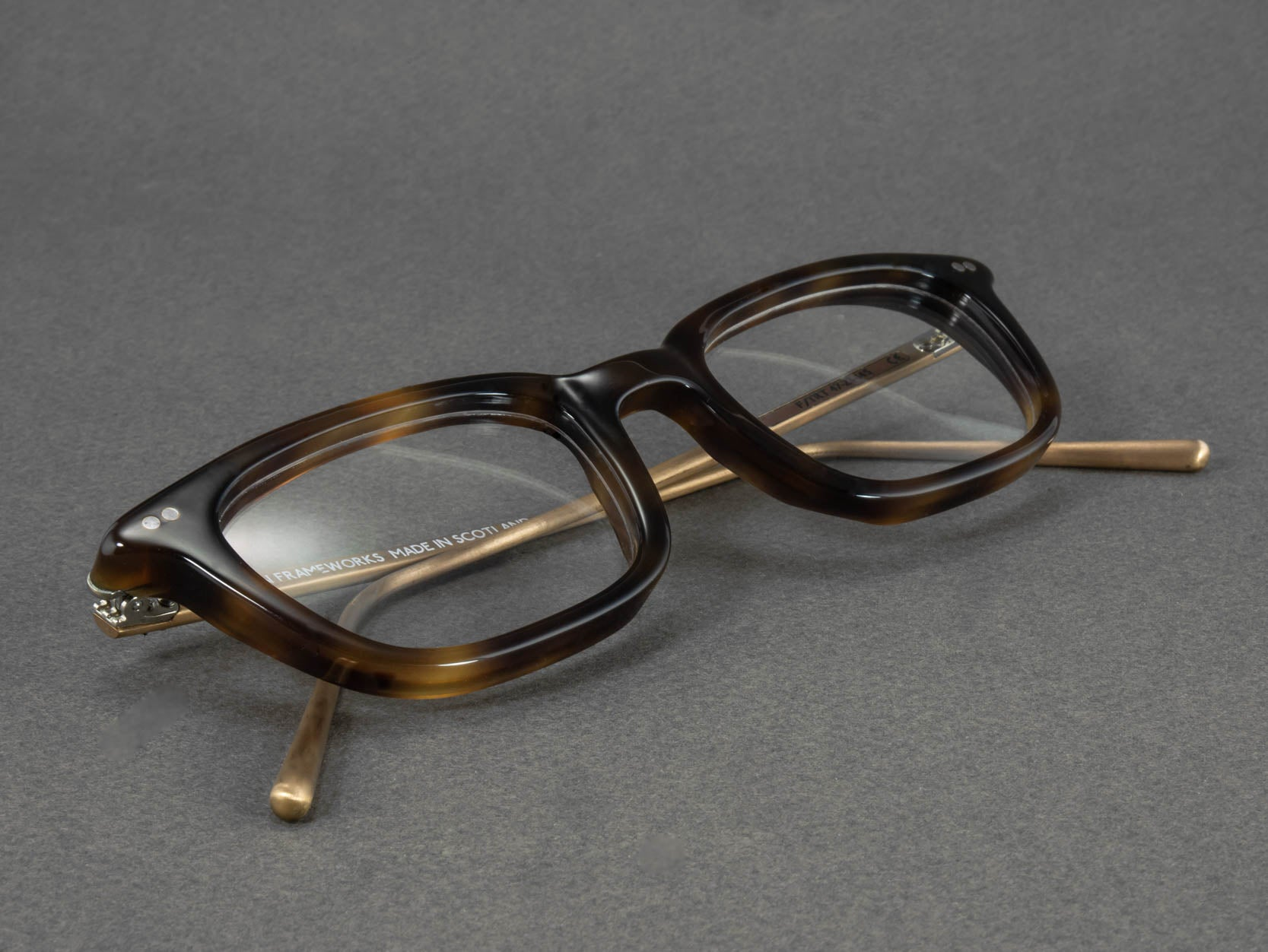 rectangular tortoise shell glasses frame close up