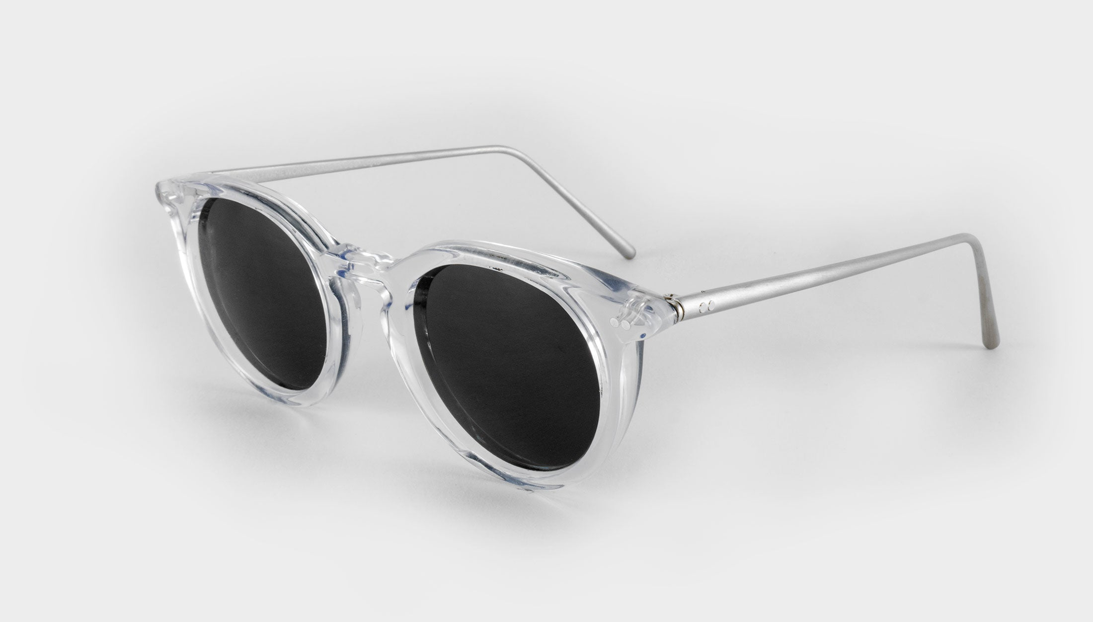 round clear frame polarised sunglasses side view