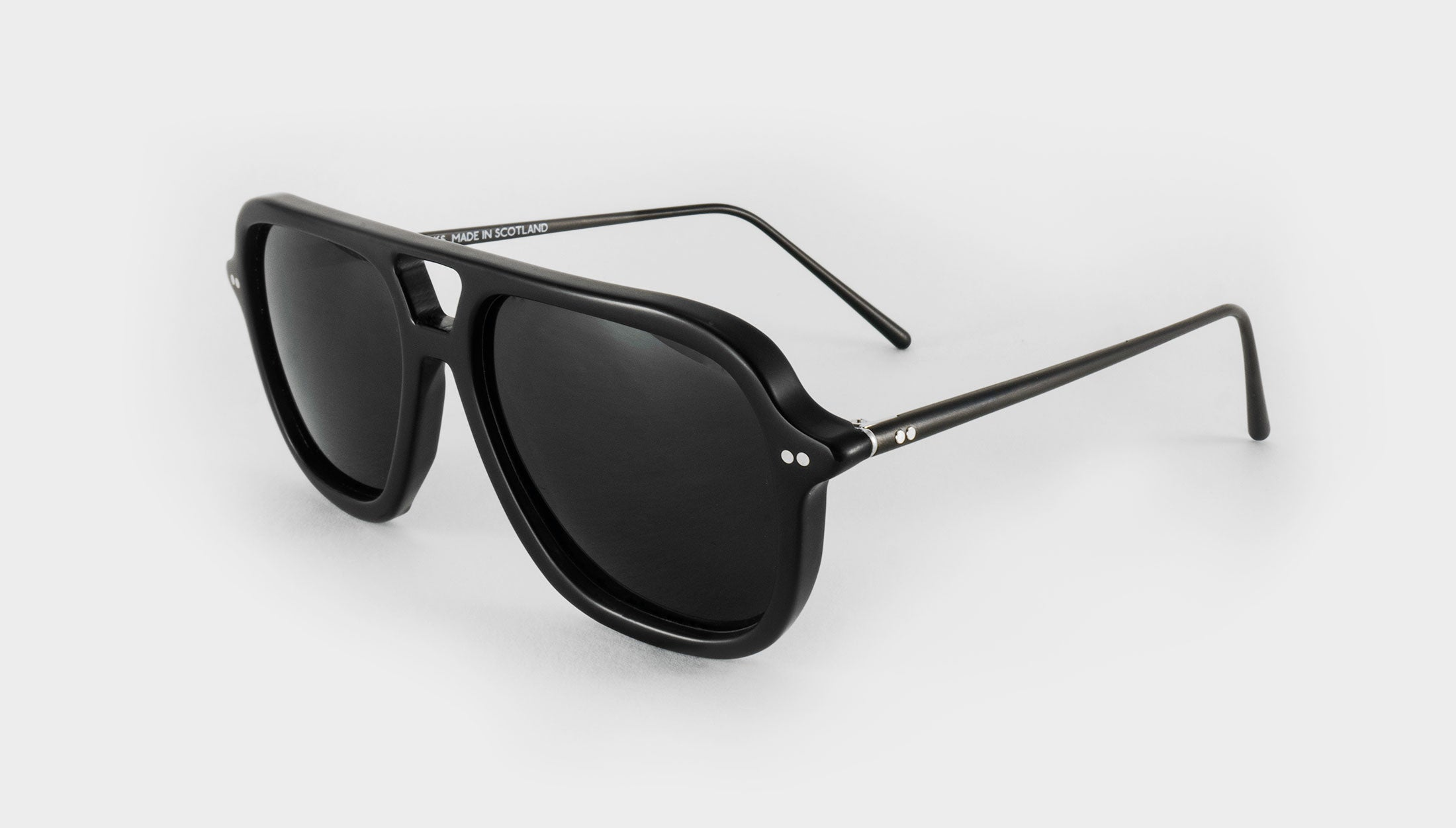 square black polarised aviator sunglasses side view