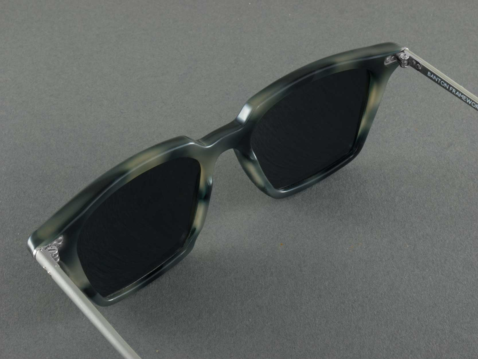 Square Polarised sunglasses Frame aerial view
