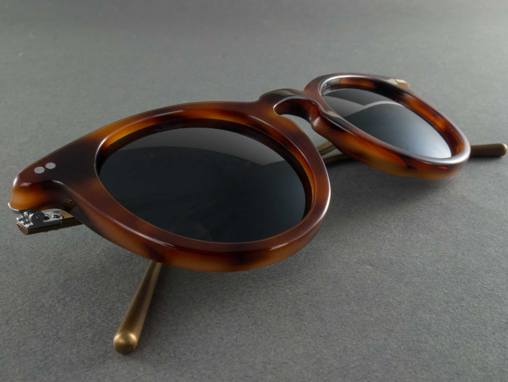 Round polarised sunglasses frame close up
