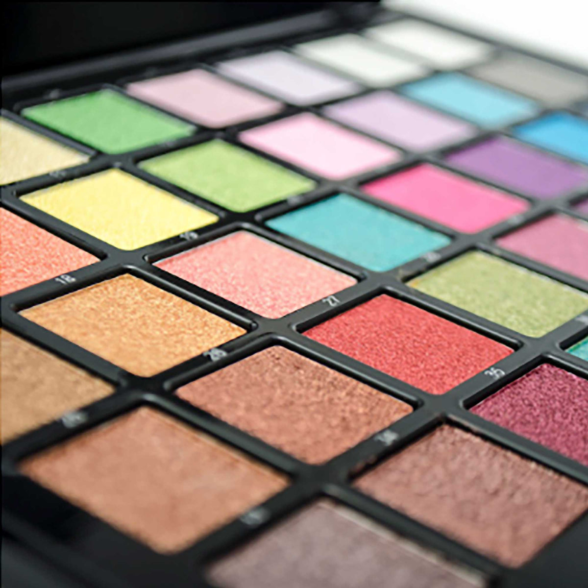 Airbase Pearl Eyeshadow 40 Colour Palette