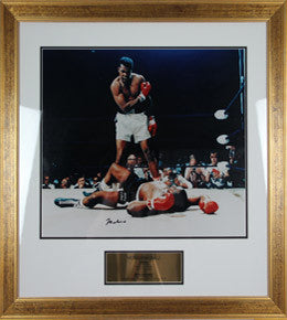 Boxing Memorabilia, Signed Muhammad Ali Photo Gold Framing
