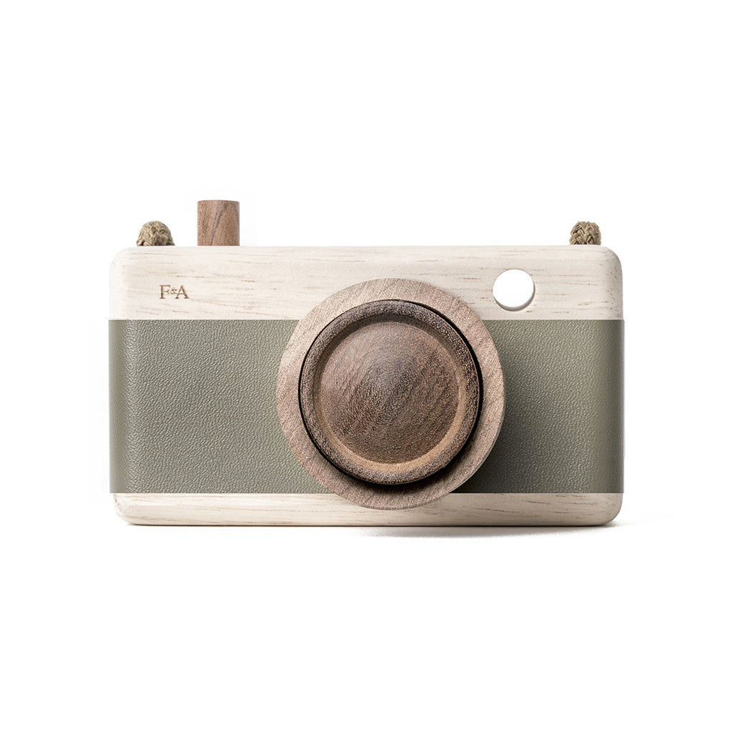 fanny & alexander wooden camera green, wooden toys at kodomo boston free shipping