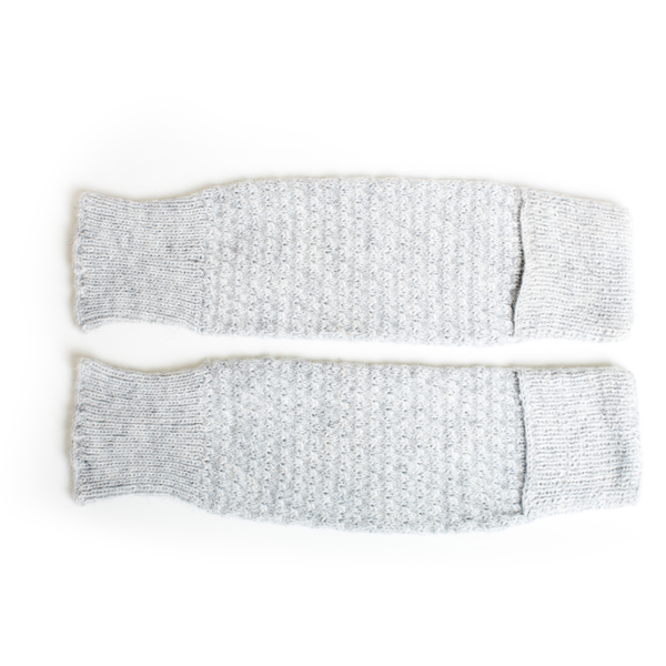 cabbages & kings hand knit leg/arm warmers light grey