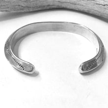 Load image into Gallery viewer, Stamped Carinated Bangle