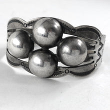 Load image into Gallery viewer, Vintage Fred Harvey Era Bracelet