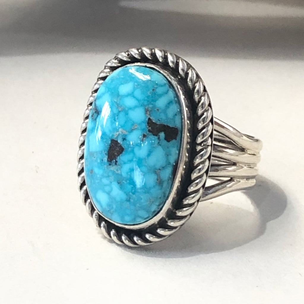 Kingman Turquoise<br>By Albert Lee<br>Size: 6.5