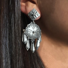 Load image into Gallery viewer, Vintage Shield Earrings