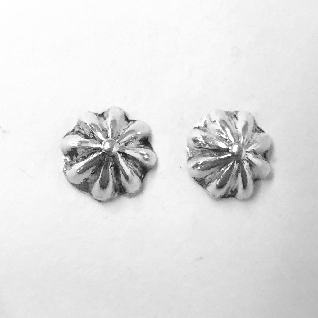 Small Fluted Studs