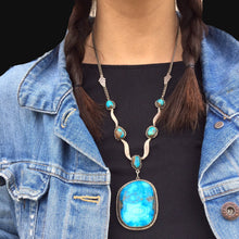 Load image into Gallery viewer, Vintage Pendant and Stones!