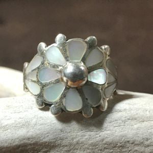 Vintage Mother Of Pearl Size: 6