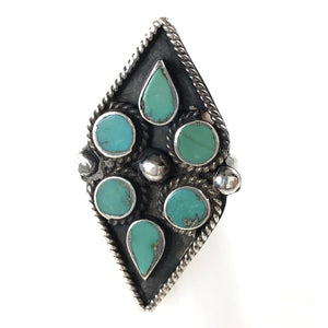 Vintage Flat Dot Ring<br>Size: 5