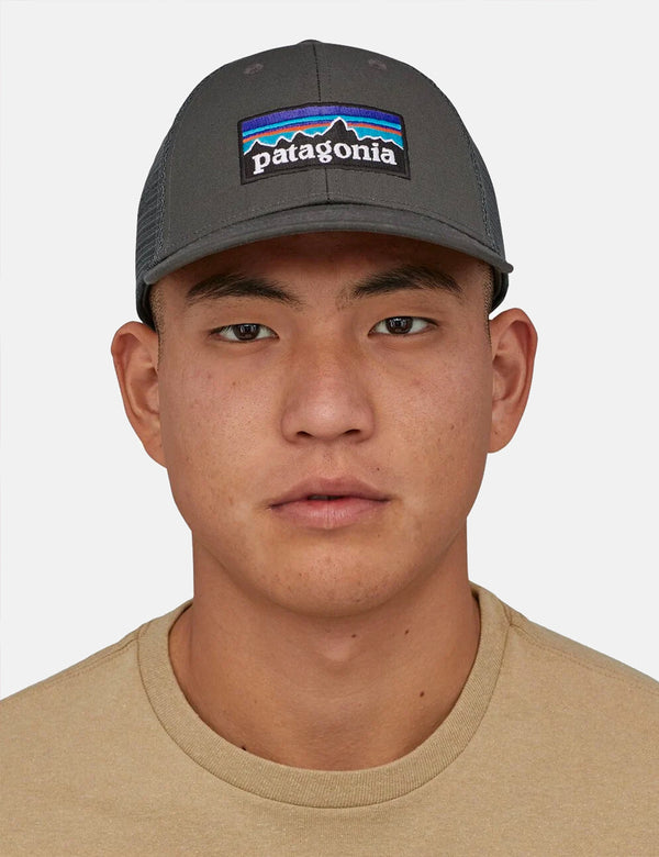 Patagonia P-6 Logo LoPro Trucker Hut - Forge Grey