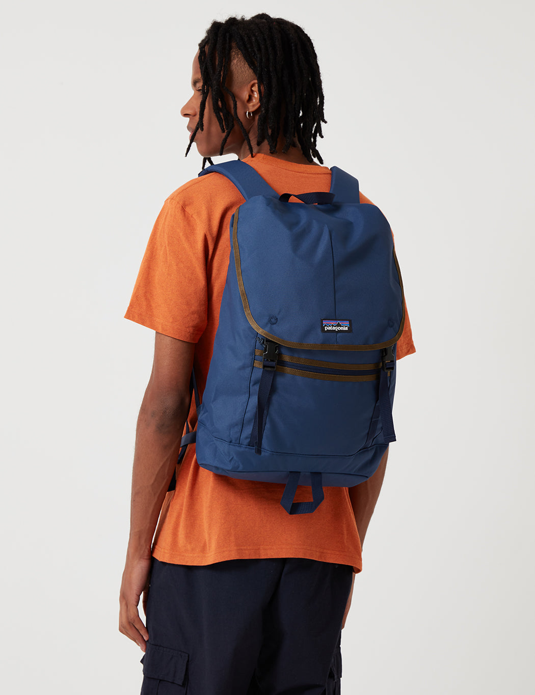 b2c66ea886240 Patagonia Arbor Classic 25L Backpack - Navy Blue   URBAN EXCESS.