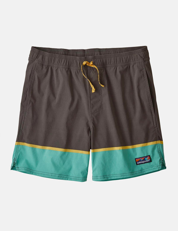 "Patagonia Stretch Wavefarer Volley Shorts (16"", Bottom Leg Stripe) - Forge Grey"