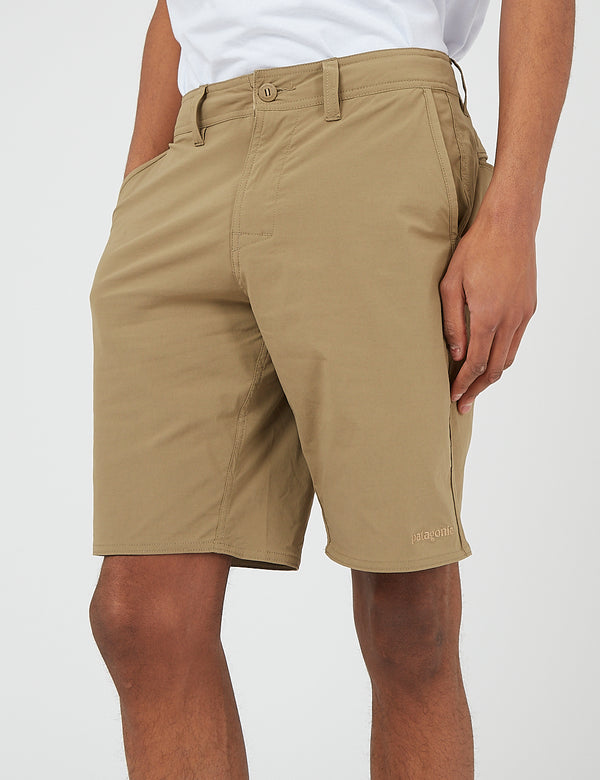 Short de Marche Stretch Wavefarer de Patagonia (20 po) - Ash Tan